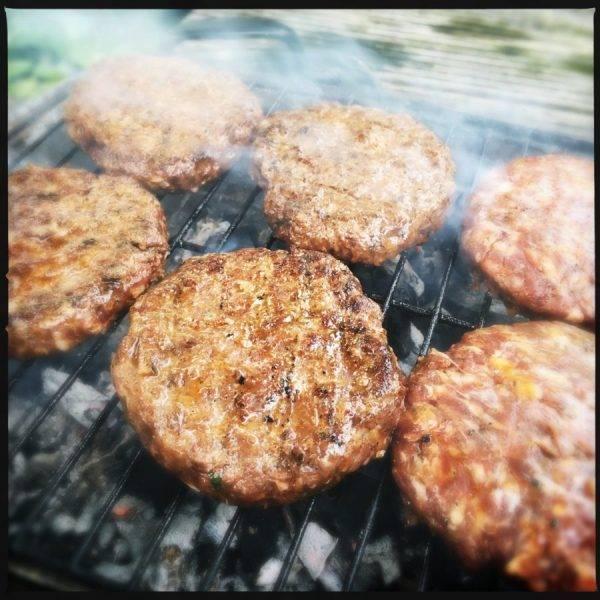 Vleesch&co Angusburger beefburger hamburger voor horeca black-angusburger
