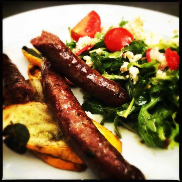 Vleesch&co Chipolata's met frisse salade